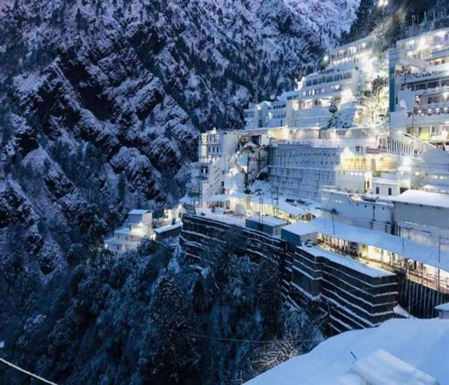 13,22, 808 devotees pay obeisance at Vaishno Devi in 3 months of 2021